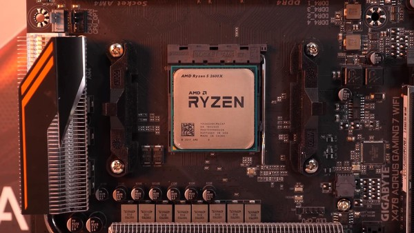 AMD Ryzen 5 2600X vs Intel Core i5-9400F