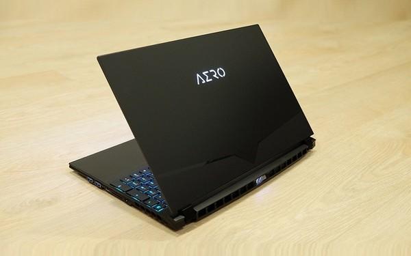 Gigabyte AERO 15 OLED XA Laptop