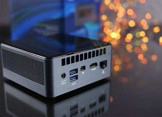 Intel NUC 8 Mainstream-G Mini PC