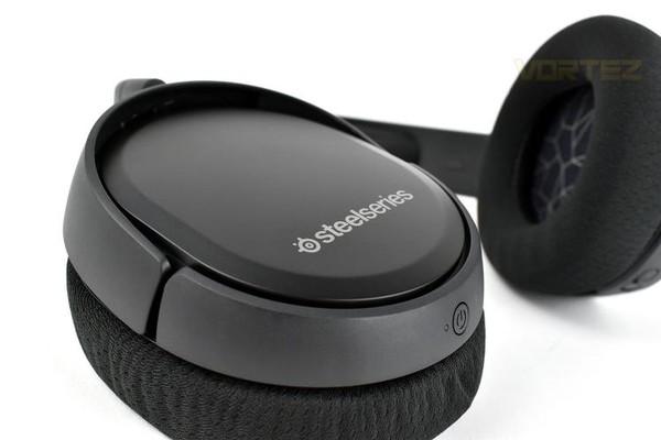 SteelSeries Arctis 1 and SteelSeries Arctis 1 Wireless
