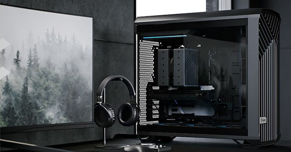 Fractal Design Torrent Black RGB TG Light Tint